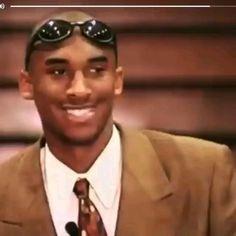 Kobe Tribute - Beauty is Art Kobe Bryant Family, Kobe Bryant 8, Lakers Kobe Bryant, Lebron James Wallpapers, Nba Wallpapers, Basketball Live Wallpaper, Kobe Bryant Iphone Wallpaper, Kobe Bryant Championships, Juice Rapper