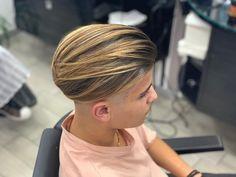 Hairstyles Haircuts, Haircuts For Men, Straight Hairstyles, Short Hair Cuts, Short Hair Styles, Bowl Haircuts, Undercut Pompadour, Bowl Cut, Fade Haircut