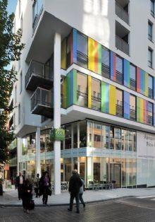 Architectura - Leopold Village geeft Europese wijk een esthetische toets / FEBE en FEBELCEM