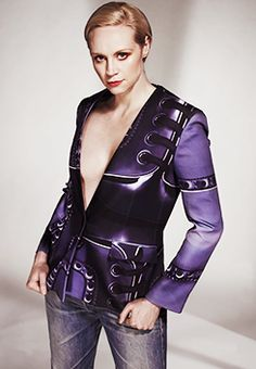 I think I need this jacket/top! <><> Game of Thrones - True Knight (Brienne of Tarth/Gwendoline Christie)