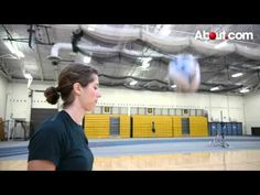 This video demonstrates how to properly do an overhand volleyball serve. Volleyball Rules, Volleyball Serve, Volleyball Skills, Volleyball Practice, Volleyball Workouts, Coaching Volleyball, Volleyball Players, Beach Volleyball, Team Goals