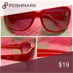 "Price ⬇️ Fossil ""Alexie"" Sunglasses Fossil ""Alexie"" sunglasses.  Red plastic frame with rhinestone details on arms.  Gradient lenses.  Excellent condition. Fossil Accessories Sunglasses"