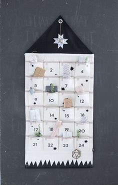 Calendrier de l'avent House / En tissu Beige / Noir - Ferm Living