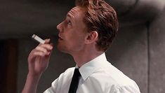 All the Hiddle Things - I don't support smoking cigerettes but this man looks so hot doing it - Thomas William Hiddleston, Tom Hiddleston Loki, Tom Hiddleston High Rise, Loki Thor, Loki Laufeyson, Kirchen, Tom Holland, Men Looks, To My Future Husband