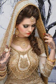 Indian bridal makeup 2016 · Pakistani Bride Hairstyle, Pakistani Bridal Makeup, Bridal Makeup Tips, Wedding Makeup, Asian