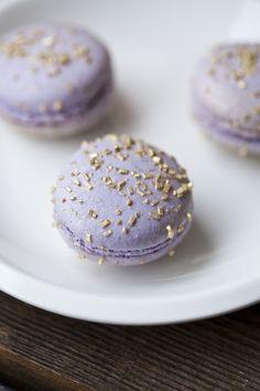 Gold sprinkled macarons