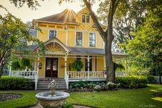 Yellow Victorian House - HDR Photo | HDR Creme