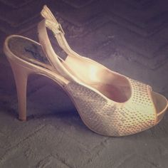 Cinderella Like Heels In A Cream Color W/ Sparkles