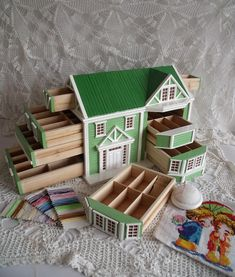 Sewing box that looks like a little dollhouse