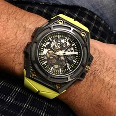"Linde Werdelin SpidoLite 3DTP Carbon Watch Review - by @watchmax - More on the carbon SpidoLite at: aBlogtoWatch.com - ""Linde Werdelin is celebrating its 10-year anniversary, and at Baselworld 2016 the brand introduced a new SpidoLite model that uses the 3DTP Carbon technology that has recently been the hallmark of Richard Mille, Audemars Piguet, and other modern sports watch brands wanting a material that is light, hard, and exclusive..."""