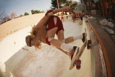 Stacey Peralta at Coldwater Canyon Pool, 1977. Photo by Hugh Holland.