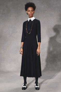 The complete Christian Dior Pre-Fall 2018 fashion show now on Vogue Runway.