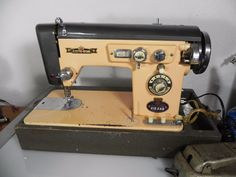 Electro Grand Deluxe 300 vintage sewing machine