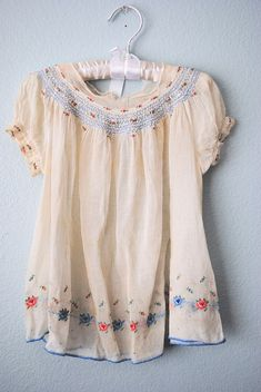 Vintage hand embroidered blouse, my favorite Boho Fashion, Vintage Fashion, Womens Fashion, Bohemian Style, Boho Chic, Textiles Y Moda, Beautiful Outfits, Cute Outfits, Vetements Clothing