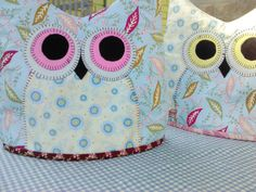 "[gallery type=""rectangular"" columns=""2″ ids=""413,416,415″] Well what too dooo! Here is a pattern for you to make your own owl tea cozy! I make and sell a few of …"