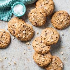 Pork Rind and Peanut Butter Chocolate Chip Cookies - Taste of the South Creamy Peanut Butter, Chocolate Peanut Butter, Nutter Butter, Chocolate Chip Cookies, Cookie Recipes, Dessert Recipes, Keto Desserts, Keto Recipes, Pork Rinds