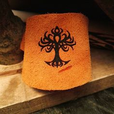 YGGDRASYL TREE of LIFE Handmade unique Norse engraved tan genuine leather wristband strap bracelet cuff pagan celtic Viking mythology #gifts