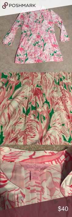 Lilly Pulitzer Tunic Top Size XS Lilly Pulitzer tunic top Size XS. Never worn, but no tags on it. Comes from a smoke free home, offers considered. Lilly Pulitzer Tops Tunics