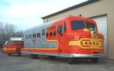 Santa Fe motor home. Mini Camper, Truck Camper, Camper Van, Locomotive, Santa Fe, Cool Rvs, Vintage Rv, Vintage Campers, Vintage Motorhome