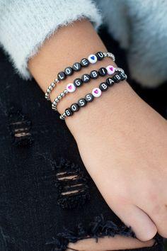 Diy Beaded Bracelets, Making Bracelets With Beads, Cute Bracelets, Handmade Bracelets, Fashion Bracelets, Beaded Jewelry Designs, Jewelry Patterns, Bracelet Designs, Mom Jewelry