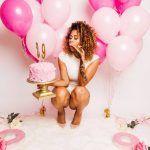 Ideas de sesión de fotos para cumpleaños número 30 Golden Birthday Parties, 24th Birthday, Birthday Wishes, Adult Cake Smash, Cake Smash Outfit, Birthday Photography, Bday Girl, Its My Bday, Sweet 16 Parties