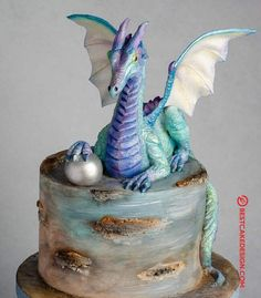 50 Most Beautiful looking Dragon Cake Design that you can make or get it made on the coming birthday. Dragon Birthday Cakes, Dragon Cakes, 9th Birthday, Birthday Parties, Cake Designs Images, Cool Cake Designs, Fire Cake, Thomas Cakes, Lion Cakes