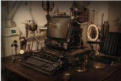 skulls-n-gears.comI'm - дипломированный дизайнер CAD-Modelleur стимпанк - художник и фотограф. Создает Steampunk объекты, реквизит, гаджеты и многое другое. Это его новая работа, костюм называется «Чума и смерть».  Найдено: http://tanjand.livejournal.com/1504440.html