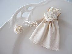Story sugar art - wedding dress cookie
