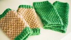Moss Stitch Handwarmers | AllFreeKnitting.com