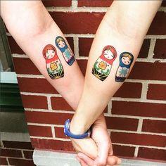 Tatouages poupées pour soeurs