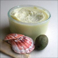 Whipped Shealoe Seal hair after a fresh wash and condition. ½ cup shea butter ¼ cup aloe vera gel 1 tbsp safflower oil (or oil of your choice) 1 tbsp coconut oil 1 tbsp olive oil 1 tsp grapeseed oil 1 tsp honey  Break the shea butter into small pieces and place in a bowl.  Using a hand mixer, whip the shea butter until fluffy and the chunks are gone.  (If your shea butter is too hard, melt it only slightly to soften a lil)  Add in remaining ingredients and mix thoroughly with the hand mixer.