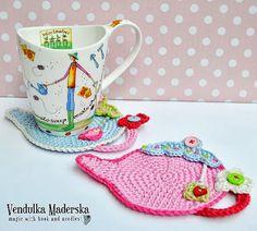 Crochet teapot coaster. I freaking love teapots.
