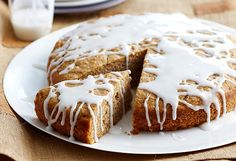 Banana Almond cake - Drizzled with sweet, lemony icing, this gluten free banana cake by Woman's Day is moist and delicious. It's also incredibly versatile; check out the tips section for the nut free version. Gluten Free Treats, Gluten Free Desserts, Dairy Free Recipes, Sweet Recipes, Cake Recipes, Dessert Recipes, Gf Recipes, Dessert Ideas, Recipies