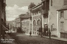 """Vigo, La Antigua Ciudad Olívica Fotografía del antiguo """"Gran Café Colón"""" en Velázquez Moreno, inaugurado en 1905 y derribado para la construcción del establecimiento """"Almacenes el Pilar"""" en 1964…Hoy Casa del Libro."""