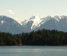 Howe Sound in spring. Leadership Development, Coaching, Beautiful Places, Mountains, Spring, Nature, Travel, Training, Naturaleza