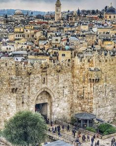 A wonderful look at the present condition of Jerusalem, capital of Israel. A wonderful look at the present condition of Jerusalem, capital of Israel. Places Around The World, The Places Youll Go, Places To See, Around The Worlds, Voyage Israel, Damascus Gate, Heiliges Land, Terra Santa, Naher Osten