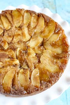 Caramel Apple Upside-Down Cake: This upside-down cake is almost too pretty to eat! Click through to find more easy, fresh, and moist apple cake recipes to make this fall. Apple Cake Recipes, Apple Desserts, Just Desserts, Baking Recipes, Delicious Desserts, Yummy Food, Apple Cakes, Cookie Recipes, Desserts Caramel