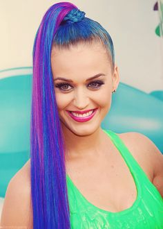 Katy Perry hair is AWESOME!!!! I love it!!!!!!! ❤❤❤❤❤❤❤❤❤