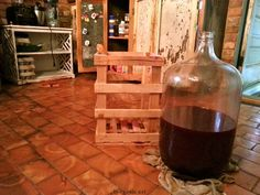 mulberry wine Homemade Wine Recipes, Drink Recipes, Alcoholic Beverages, Non Alcoholic, Mulberry Wine, Mulberry Recipes, Blackberry Wine, Edible Food, Wine And Liquor
