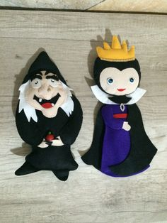 Bruxa e Madrasta da Branca de Neve em feltro.