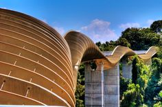 Henderson Waves is the highest pedestrian bridge in Singapore. Description from pinterest.com. I searched for this on bing.com/images