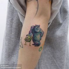 Small Tattoos sells temporary tattoos designed by professional artists and designers. Our temporary tattoos are safe and non-toxic. Mini Tattoos, Tiny Finger Tattoos, Small Forearm Tattoos, Little Tattoos, Arm Tattoos For Guys, Tattoos For Women Small, Small Tattoos, Disney Tattoos, Disney Sleeve Tattoos