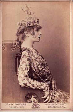 mudwerks:    (via Sarah Bernhardt | Flickr)