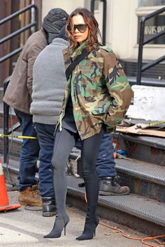 Fashion is clical - stirrup pants about to get a revival according to Victoria Beckham truly a fashion icon Victoria Beckham Outfits, Victoria Beckham Style, Victoria Beckham Fashion, Victoria Beckham Sunglasses, Stirrup Pants, Boots And Leggings, Camo Jacket, Camouflage Jacket, Kendall Jenner Outfits