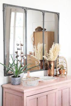 retro antique style home decor Decor, Home Accessories, Interior, Vintage House, Interior Design Kitchen, Home Decor, Retro Interior, Bathroom Flooring, Interior Design