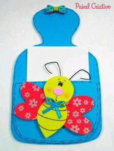Portanotas para la cocina hechos con foamy Foam Crafts, Diy And Crafts, Crafts For Kids, Handmade Gifts For Friends, Gifts For Coworkers, Note Pen, Mother's Day Activities, Post It Note Holders, Decorate Notebook