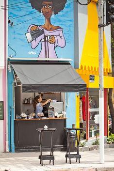 The Little Coffee Shop - Pinheiros, S& Paulo / Brazil Small Coffee Shop, Coffee Shop Bar, Coffee Carts, Little's Coffee, Coffee To Go, Coffee Tables, Bunn Coffee, Easy Coffee, Coffee Club