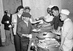 「収容所 アメリカ 当時の様子」の画像検索結果