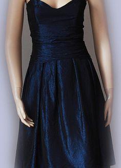 Kup mój przedmiot na #vintedpl http://www.vinted.pl/damska-odziez/krotkie-sukienki/10394269-nowosc-granatowa-sukienka-fred-sun-pin-up-kloszowa-jnowa-na-tiulu-3234