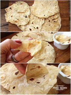 Café da manha: Pão Chapati, um pão indiano, sem fermentação, lembra o pão pita, pão árabe, só que mais fininho, ainda mais leve e muito gostoso.